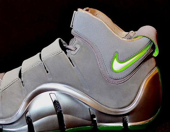 0c65aca0e5ee Nike Zoom LeBron IV  Dunkman  - Gun Metal Sample - SneakerNews.com