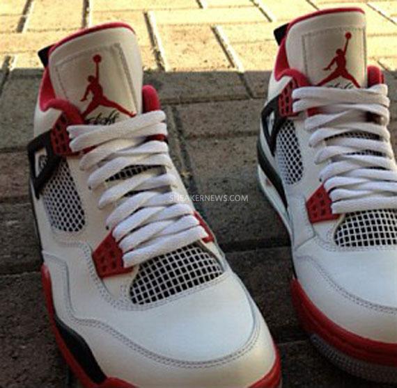 Air Jordan IV 'Fire Red' 2012 Retro