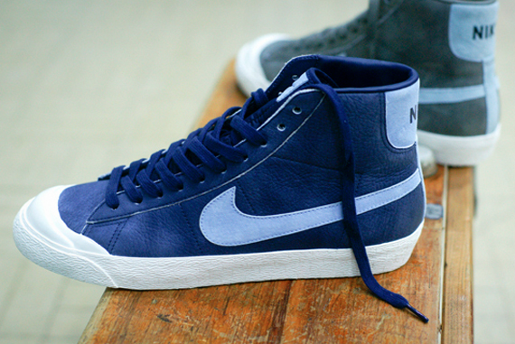 Nike All Court Mid Size Exclusives