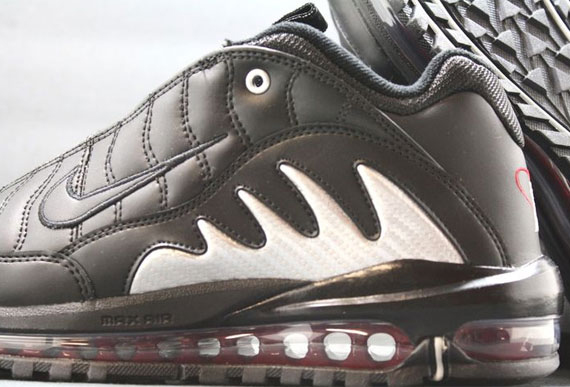 Nike Total Griffey Max  99. Black Zen Grey-Varsity Red 488329-006 02 08 12   150. show comments be7ae582c0