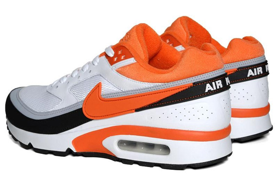 Nike Air Classic BW Textile White Team Orange Black