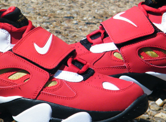 huge selection of bd0f9 a554f nike air diamond turf ii varsity red metallic gold arriving at retailers 4
