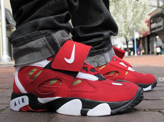 Nike Air Diamond Turf II - Varsity Red '49ers' | On-Feet Images ...