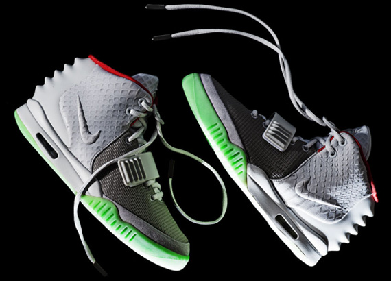 online store 0dc7f 6b300 well-wreapped Nike Air Yeezy 2 Wolf Grey Euro Release Date