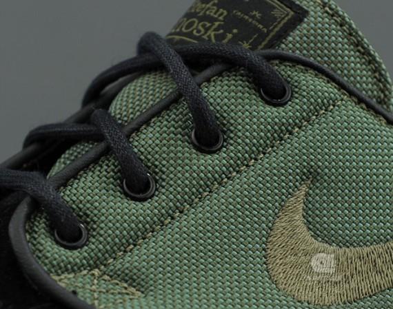 8FIVE2 x Nike SB Stefan Janoski QS – Available