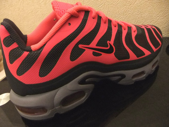 collections Nike Air Max Plus Tn Yeezy Rouge Solaire 100% original HrNRXPmn