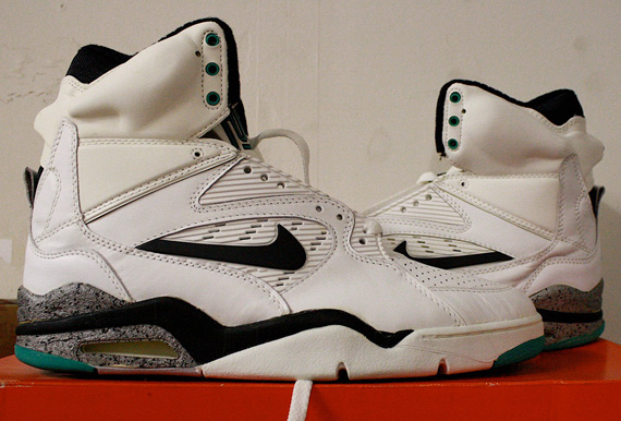 new arrival 2bde6 dbe02 Nike Air Command Force - White - Black - Bright Green  OG Pa