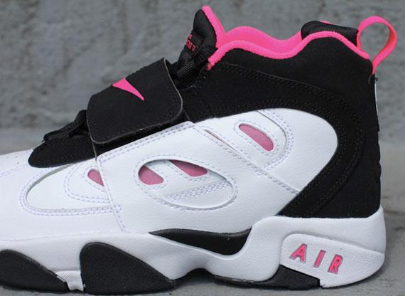 dc89dda88a7c Nike Air Diamond Turf II GS – White – Black – Pink