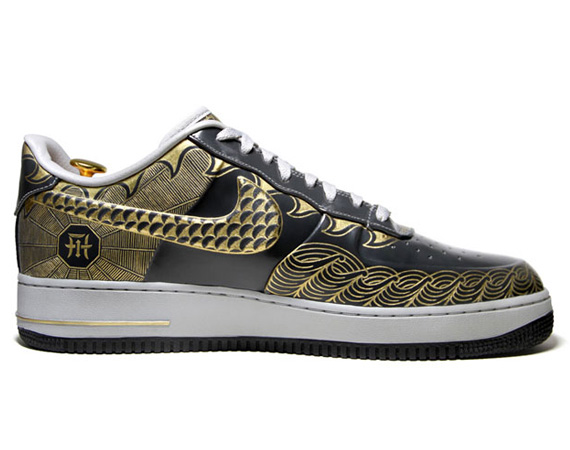 newest fc6b7 95c39 Nike Air Force 1 Low  30th Anniversary Year of the Dragon  Gold ...