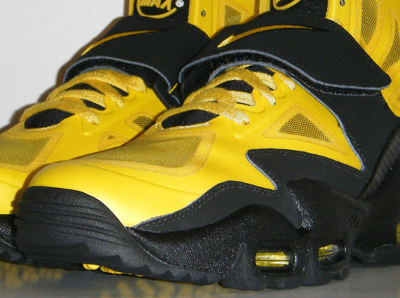 premium selection 5b4e4 fea2c Nike Air Max Express - Speed Yellow - Black   New Images ...