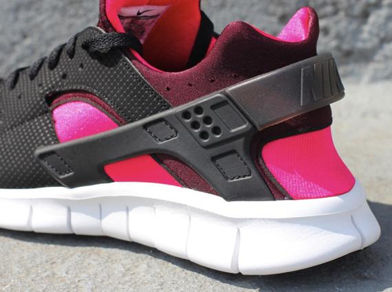 nike huarache womens black and pink