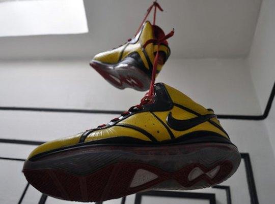Nike LeBron 8 'Bruce Lee' Customs by Laptop LaSane