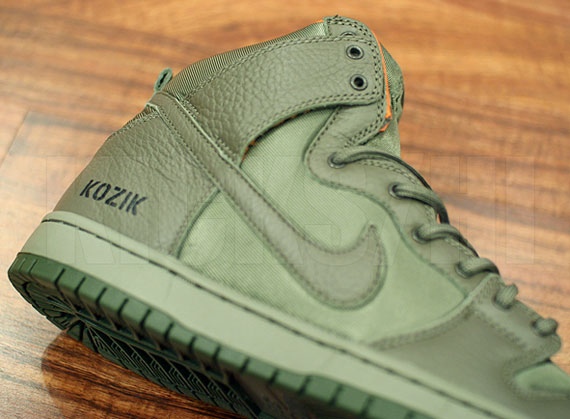 huge discount 86496 770f2 Frank Kozik x Nike SB Dunk High Premium QS - Arriving at Retailers -  SneakerNews.com