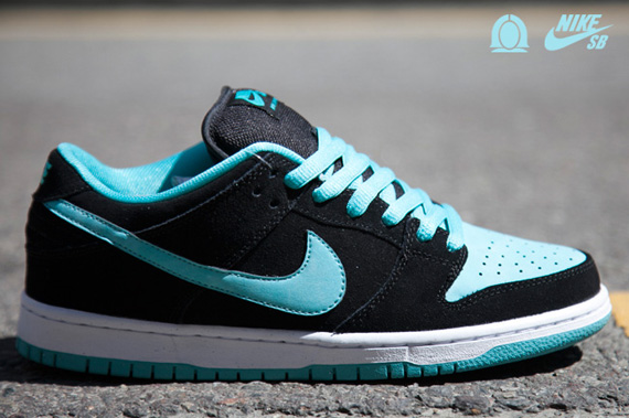 7674b0f48f7 Nike SB Dunk Low Pro Black Clear Jade-White 304292-030. show comments