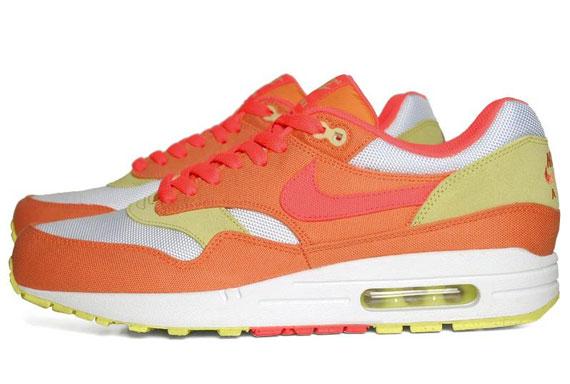 sale retailer 605df 1522f Nike WMNS Air Max 1. Melon Crush Hot Punch-White-Yellow Diamond 319986-801.  Advertisement