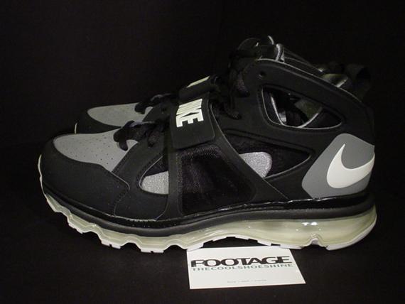 premium selection 92000 55e44 Nike Zoom Huarache TR Mid - Air Max 360 Sample - SneakerNews.com