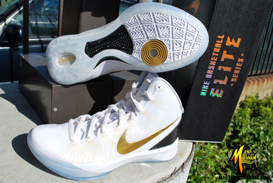 f67b49b6e7ee ... 2011 Elite Home WhiteMetallic Gold-Black 511369-100 042812 200. Cheap  Nike Zoom Hyperdunk Elite Home Flywire White Metallic Gold Basketball Shoes  ...
