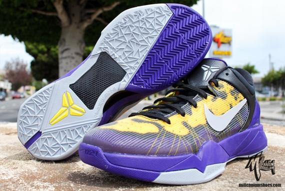 official photos 21128 a23d9 ... Nike Zoom Kobe VII Poison Dart Frog Court PurpleWolf Grey-Black-Tour  Yellow 488371 ...