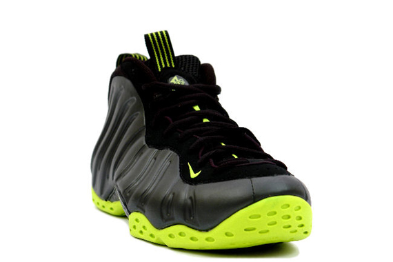569a2449abd07 Nike Air Foamposite One Black Bright Cactus 2007 new - molndalsrev.se