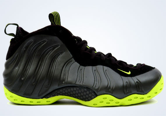 Nike Foamposite One Cactus Sneakers (Black/Black-Bright Cactus)
