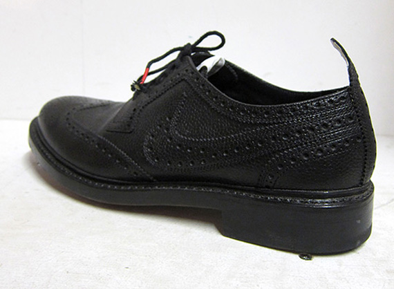 Matte Black Shoes Nike