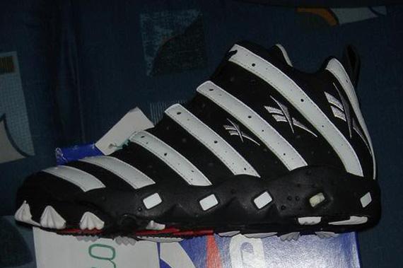buy popular c2dd4 b5171 reebok zebra sneakers