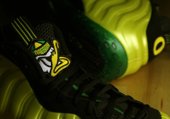 Nike Air Foamposite One  Oregon Ducks  Customs By Jason Negron 2bebed1e89a3