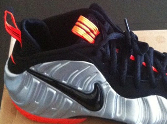 Nike Air Foamposite Pro – Metallic Silver – Crimson – Black