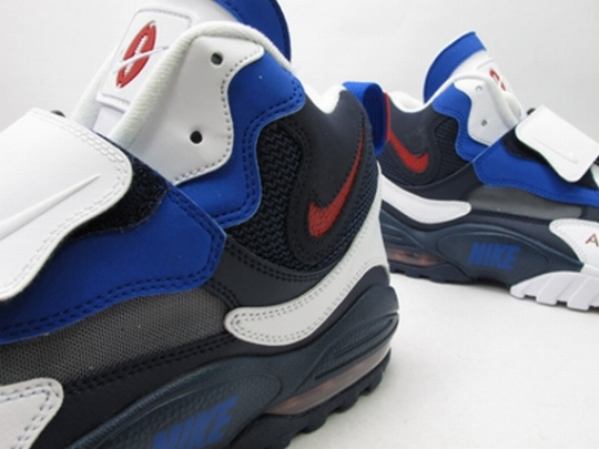 Nike Air Speed Turf Max – White – Blue – Red   New Images