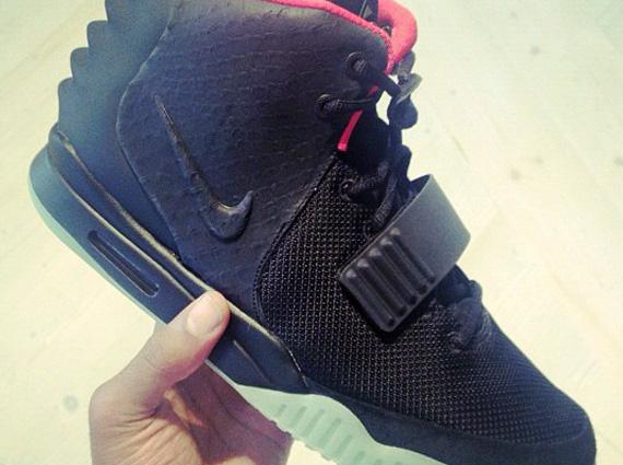 Nike Air Yeezy 2 Celebrity Hook ups