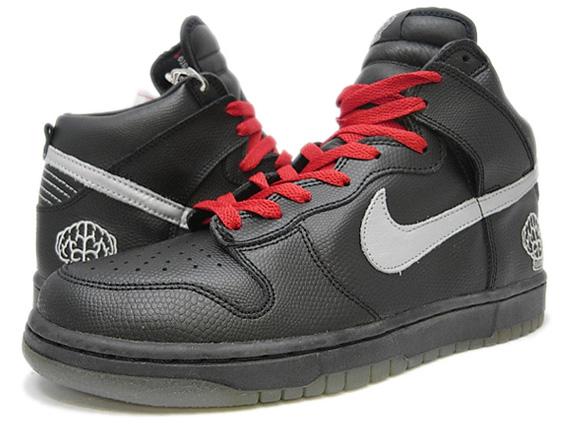 38d72ae72a787 Pharrell x Nike Dunk High (2004)