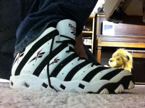 b8034f72a9c445 Reebok Big Hurt Frank Thomas Signature Shoe 1996. show comments