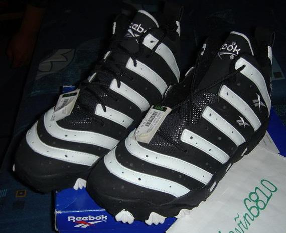 9b83fbb5c812 ... real reebok big hurt frank thomas signature shoe 1996. show comments  04f33 a3601
