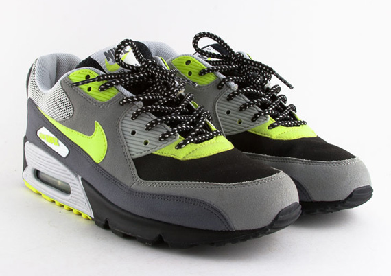 ... 95 neon patch Dave White x Nike Air Max 90 (2005) ...