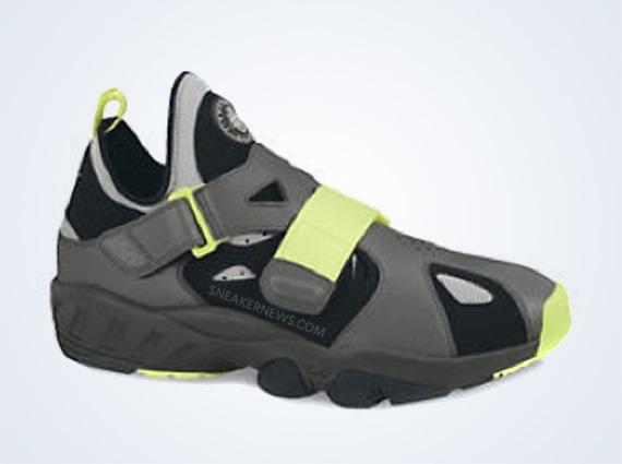 0997be2021297 Nike Air Trainer Huarache  94 - SneakerNews.com