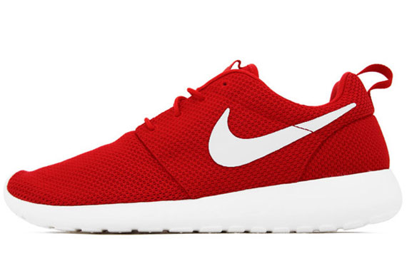 nike roshe runs red and white