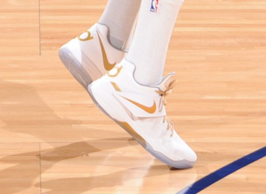 "Nike Zoom KD IV ""NBA Finals"" PE"
