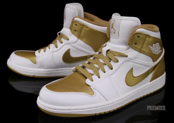 innovative design 67b40 ba25c nike jordan alpha 1 blue and gold shoes