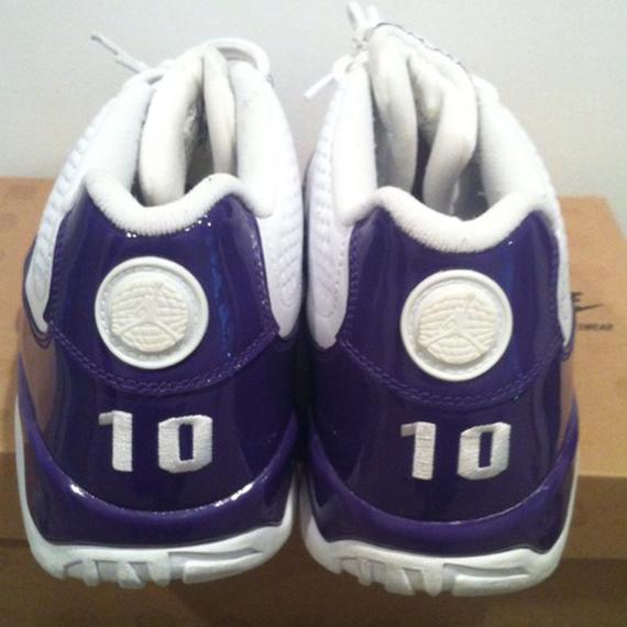 d6abaa6437a0 Air Jordan IX Low - Mike Bibby Sacramento Kings  Home  PE on eBay ...