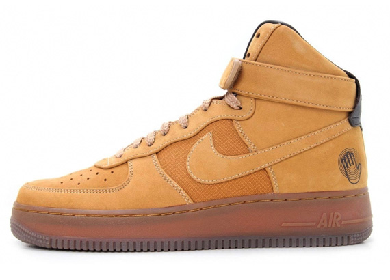 size 40 cbf23 3e6f9 Bobbito Garcia x Nike Air Force 1 High Sanded Gold Sanded Gold-Wheat  318431-771 12 2007. Advertisement