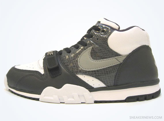 "the best attitude 4e05d bd6c4 Classics Revisited Nike Air Trainer 1 ""Python"" (2003)"