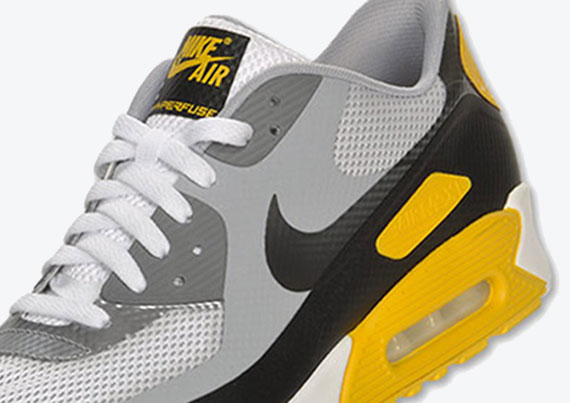 finest selection 24505 54e1c LIVESTRONG x Nike Air Max 90 Hyperfuse Premium - SneakerNews