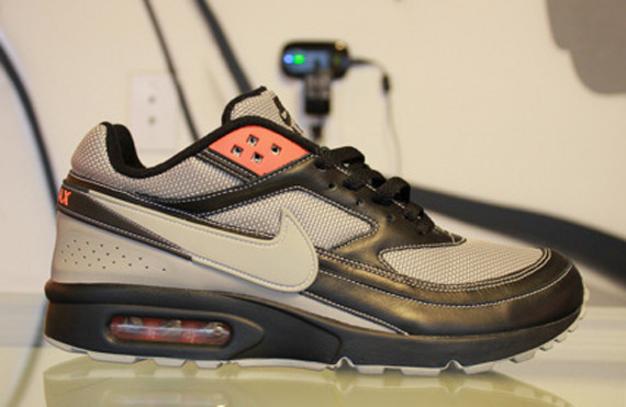 nike air classic bw size clerks pack