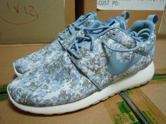 858d2e845a59 Nike WMNS Roshe Run