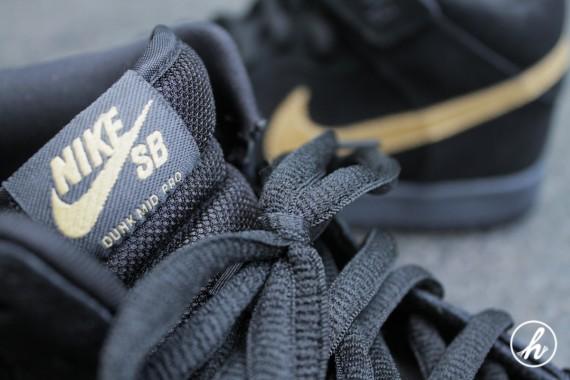 Nike SB Dunk Mid Dark Obsidian Metallic Gold