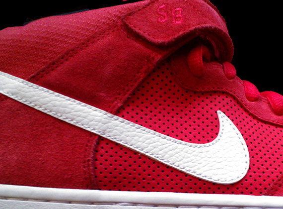 Nike SB Dunk Mid quot Team Redquot Spring 2013