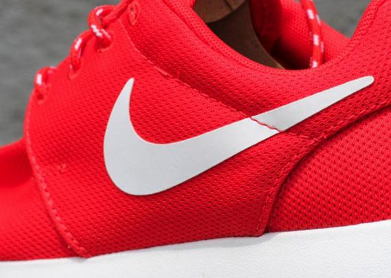 d120436cdc132 Nike WMNS Roshe Run