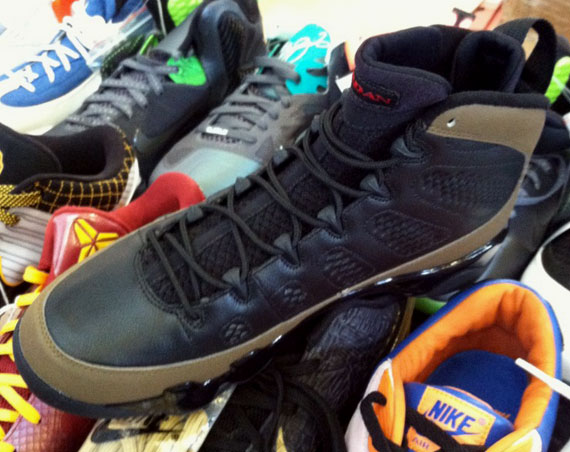 3d60c64d312 Air Jordan IX Retro 'Olive' Black/Light Olive-Varsity Red 302370-020  11/17/12 $160.00. show comments