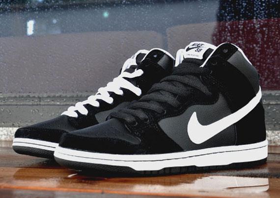 black and white nike dunk high