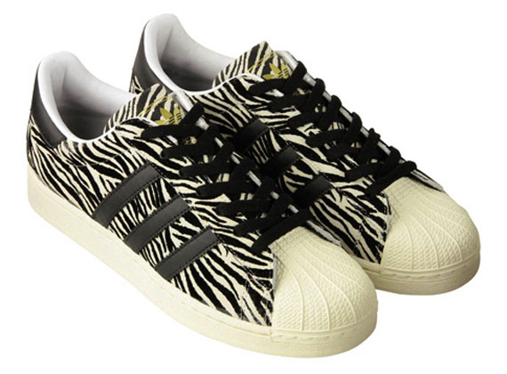 free shipping 51bf9 d444c ABC-Mart x adidas Originals Superstar